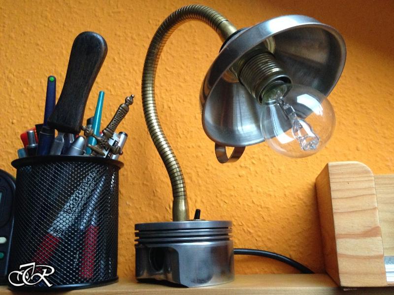 Schreibtischlampe vom Schrott