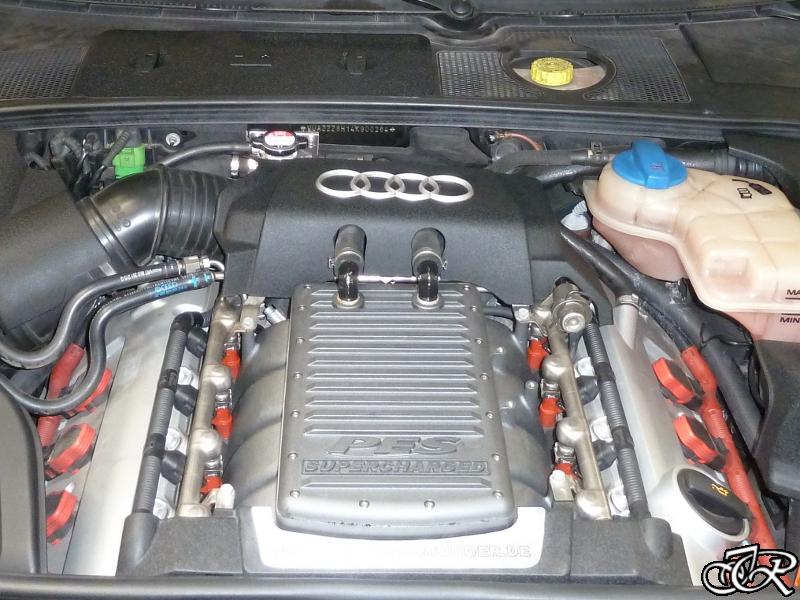 Audi 4,2 V8 Motortisch